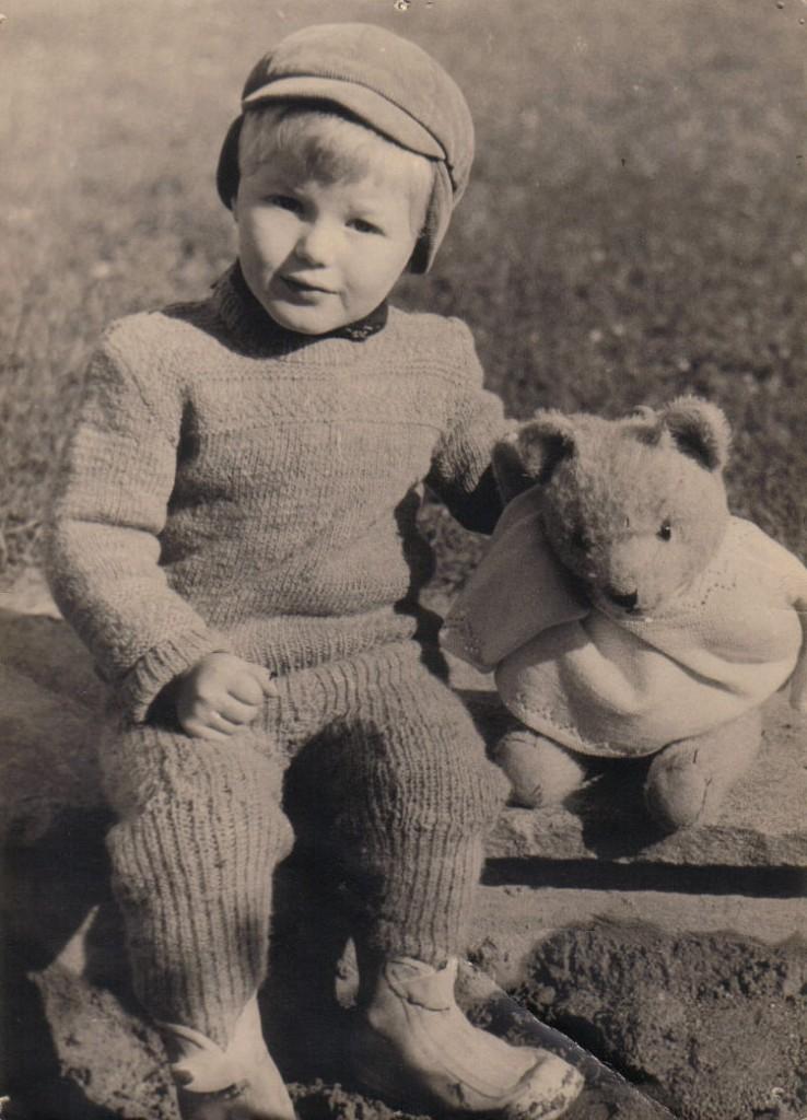 """ca. 1957: Der Bär heisst """"Mungg"""""""