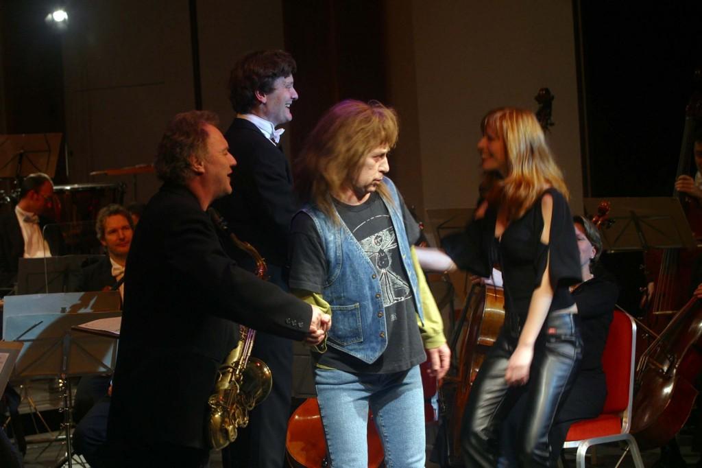 Mit Fredi Hinz, Jessie Howe und Orchester Musikkollegium, Casinotheater 2002
